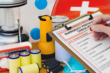 Emergency Preporation Checklist with medical and safty supplies